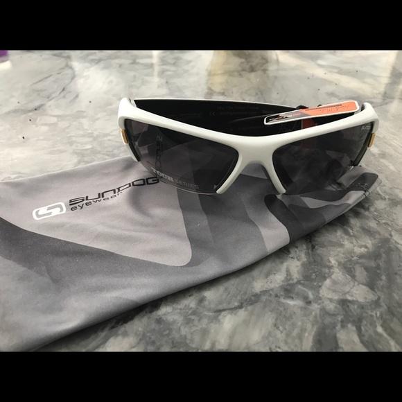 10d90206d3 Sundog eyewear light gray sunglasses